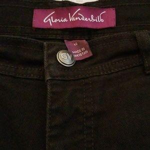 Short women's stretch jeans